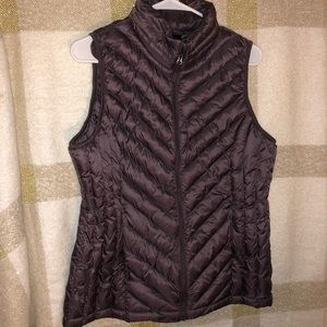 32 Degrees Puffer Vest in a Purple/Brown/Burgundy